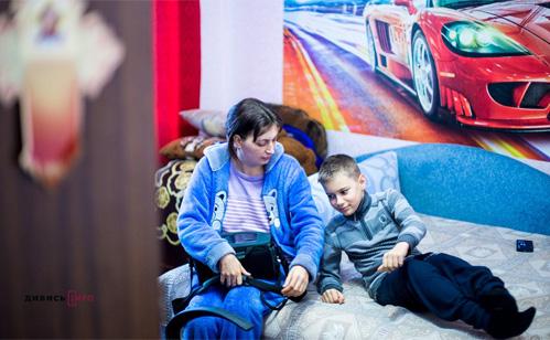 25-01-17 Акумулятор у руках та пігулки на сніданок як українка живе з механічним серцем2